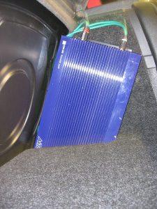 Verstärker Kofferraumausbau HiFi-Umbau