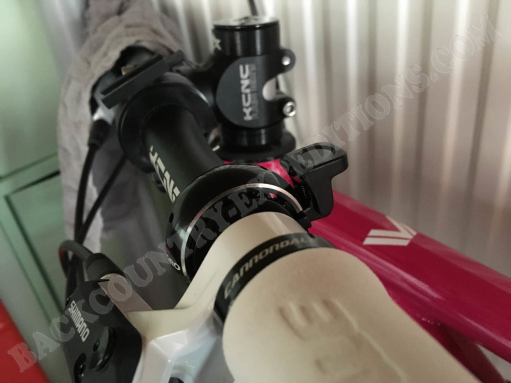 "Fahrradklingel am Lenker des 24"" MTB Kinderfahrrads"
