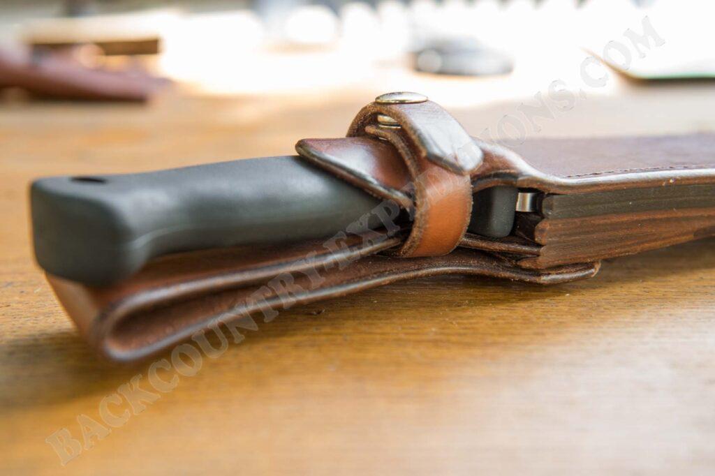 Busse Combat Basic 10 LE Chuddy Bear Leather