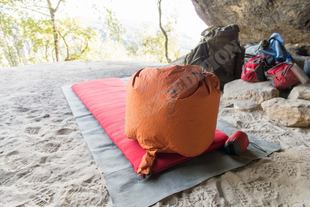 Exped Schnozzel Pumpbag & Sea To Summit Comfort Plus