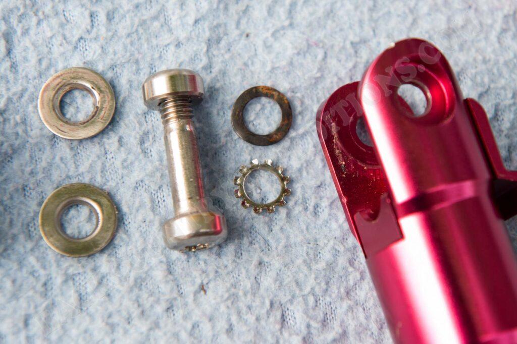 Rollei Compact Traveler No. 1 Schrauben