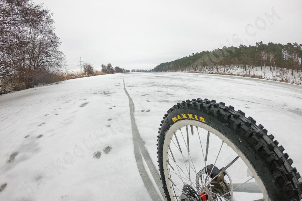 Maxxis Wetscream auf Eis